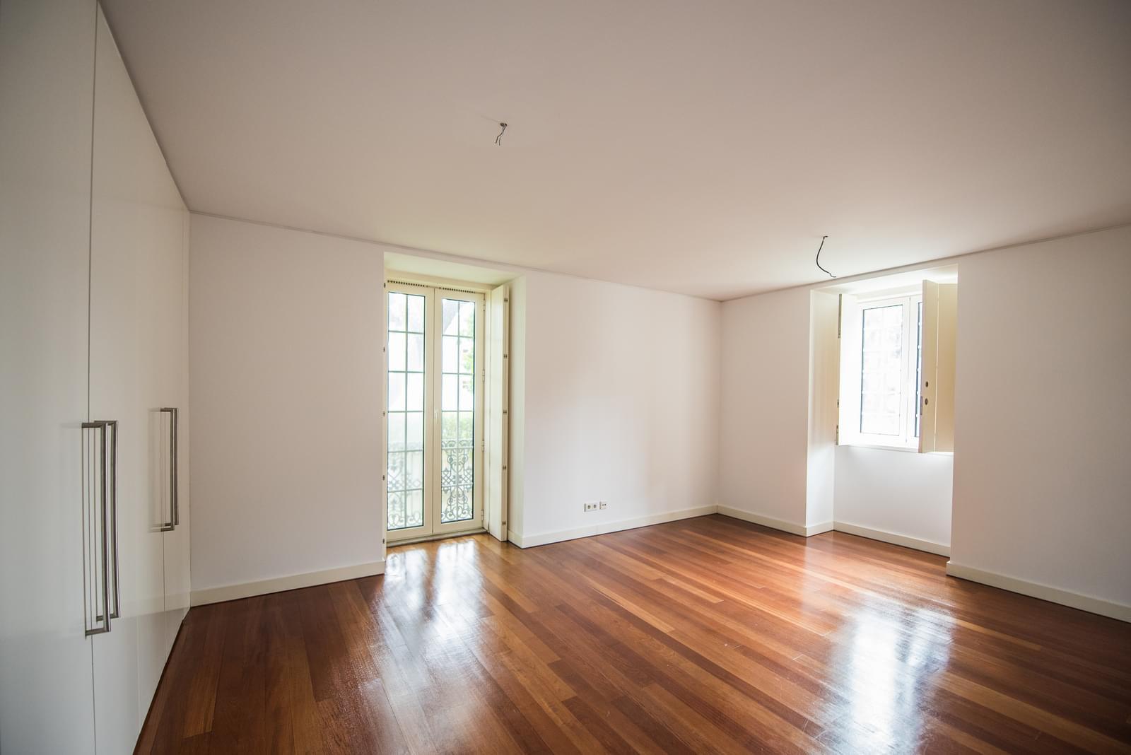 pf19211-apartamento-t4-lisboa-5f99d688-3fa5-4ff0-bbec-84b97190955f