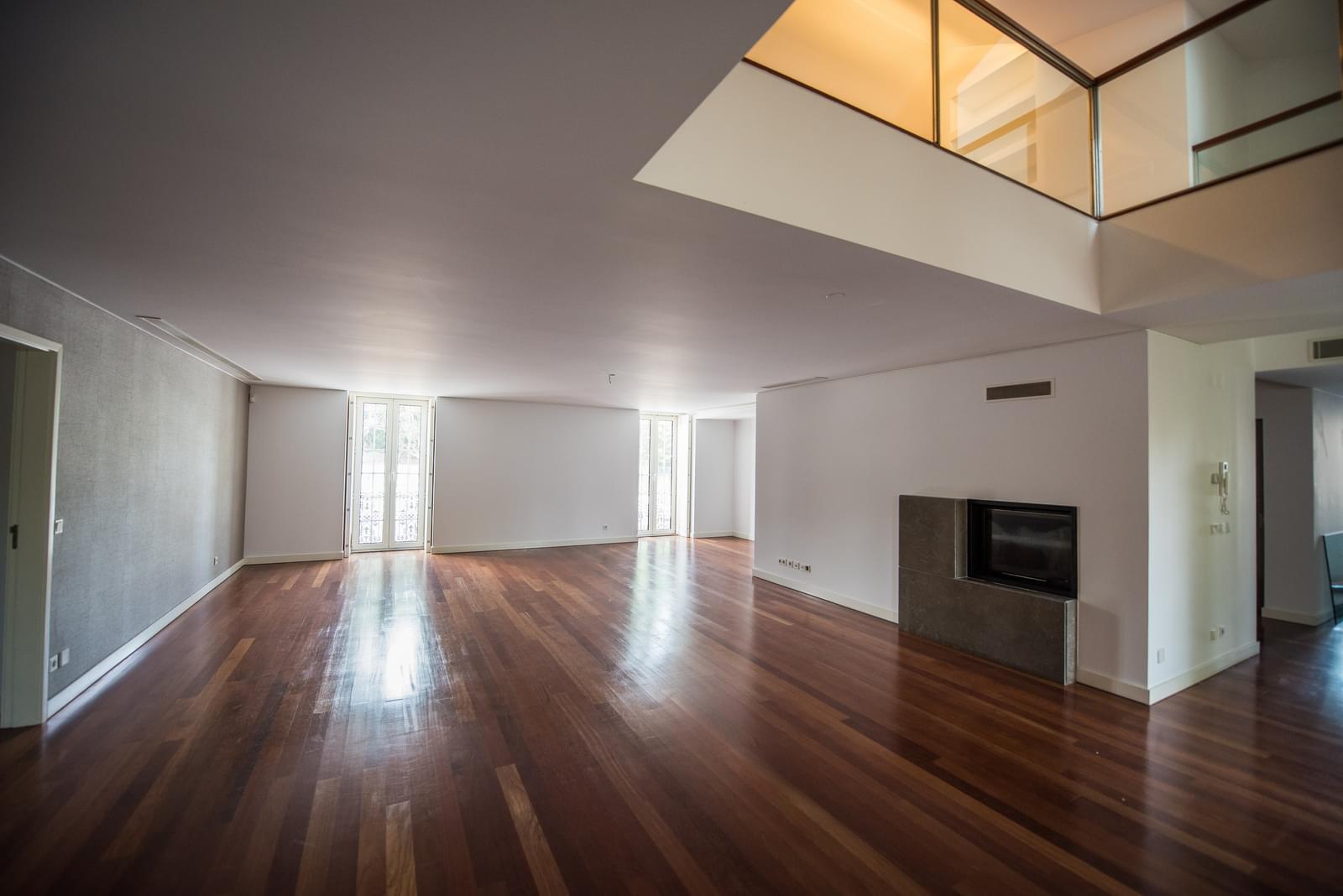 pf19211-apartamento-t4-lisboa-7250a37d-88f7-4e4b-9424-ffcf5539d720