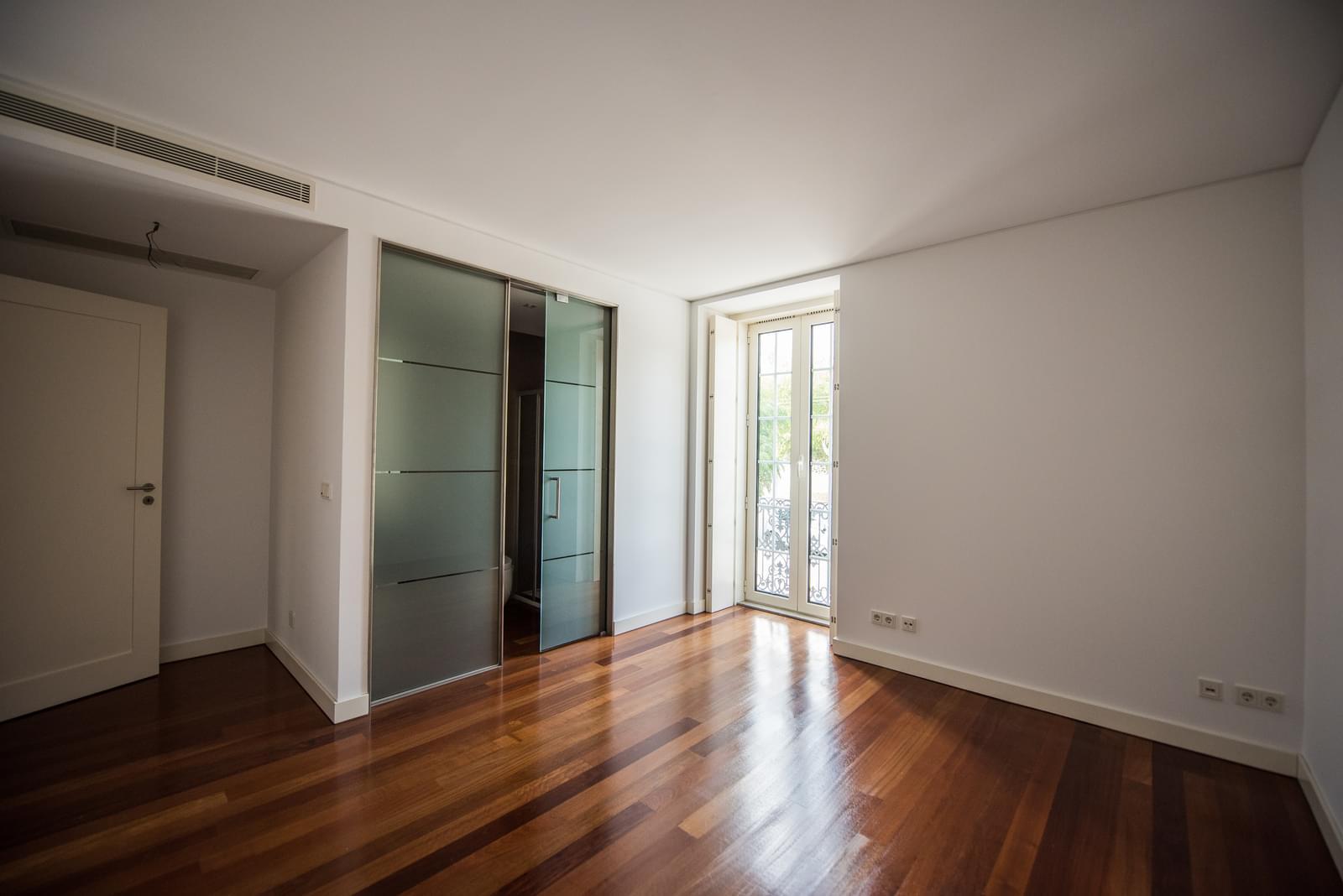 pf19211-apartamento-t4-lisboa-810b18c7-d29a-4716-8088-df174fe847c2