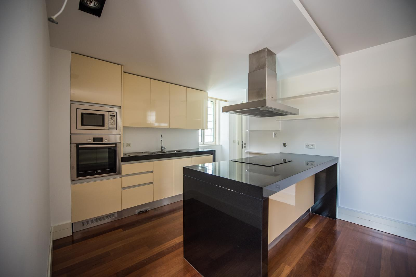 pf19211-apartamento-t4-lisboa-a2c630f9-80f4-4f28-a172-96317e6d18bd