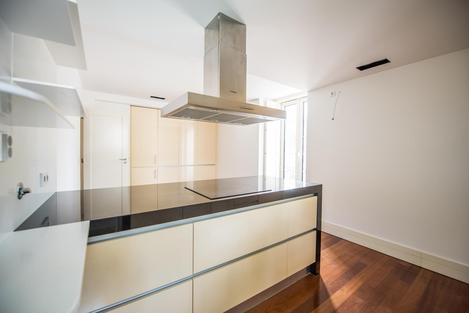 pf19211-apartamento-t4-lisboa-a72fd521-681b-473a-9644-c07d05b6675b
