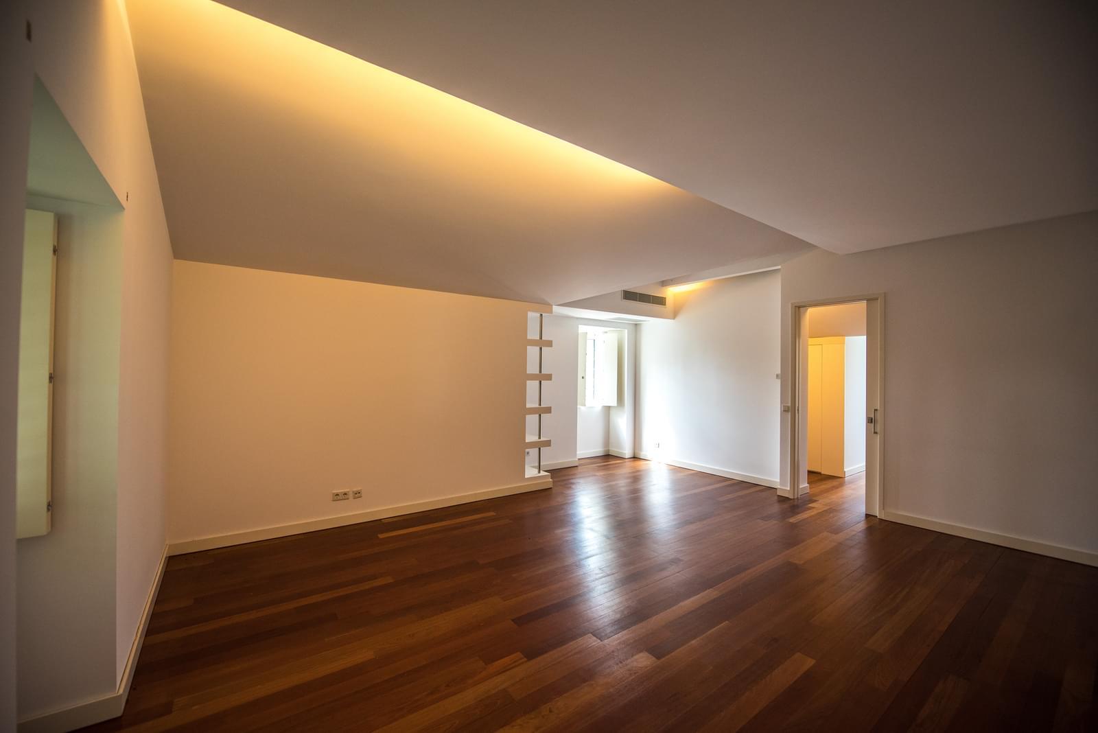 pf19211-apartamento-t4-lisboa-c4a7b511-e967-442d-b463-8ae26b359bbf