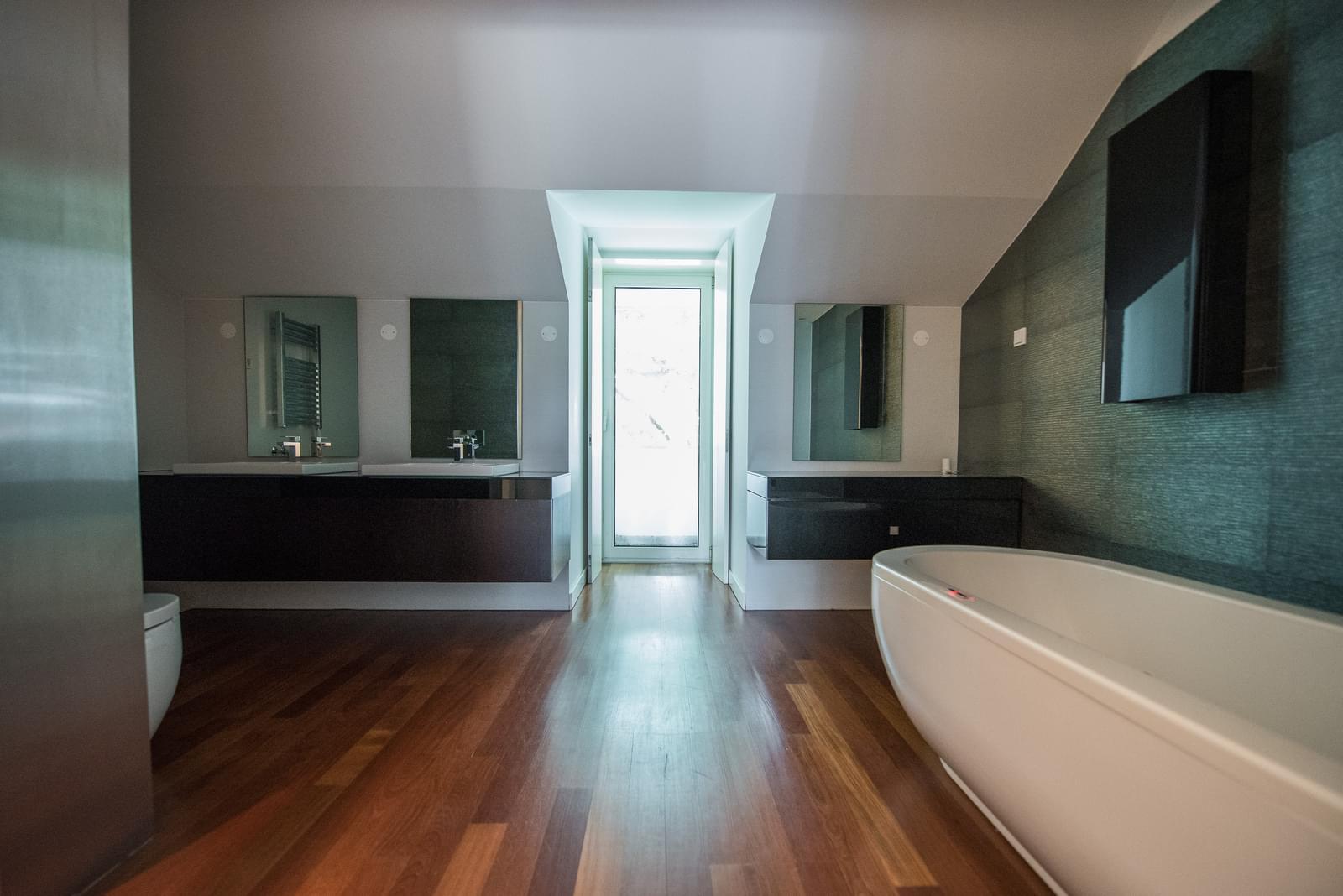 Apartamento T6+1 duplex com piscina