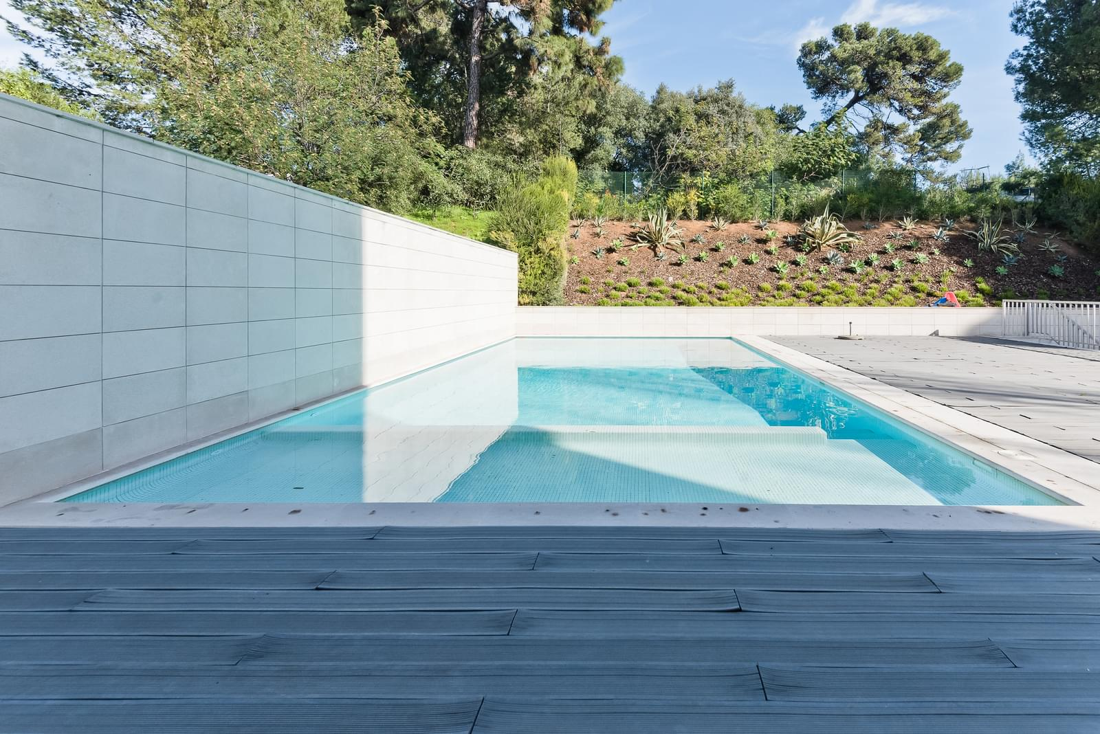 Apartamento T4 com piscina em condomínio fechado
