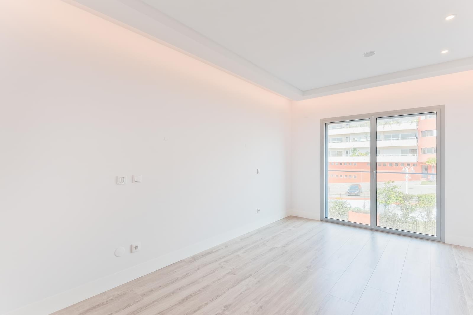 PF19305, Apartamento T4, Oeiras