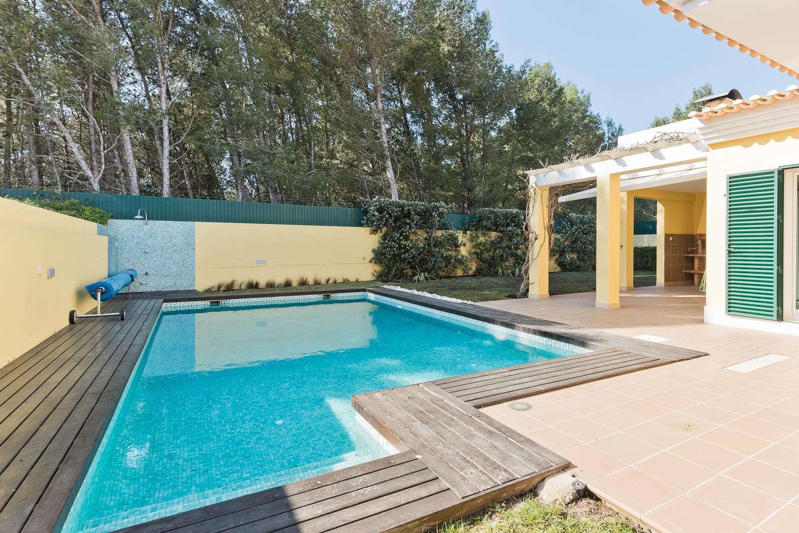 Moradia T4+2 com piscina