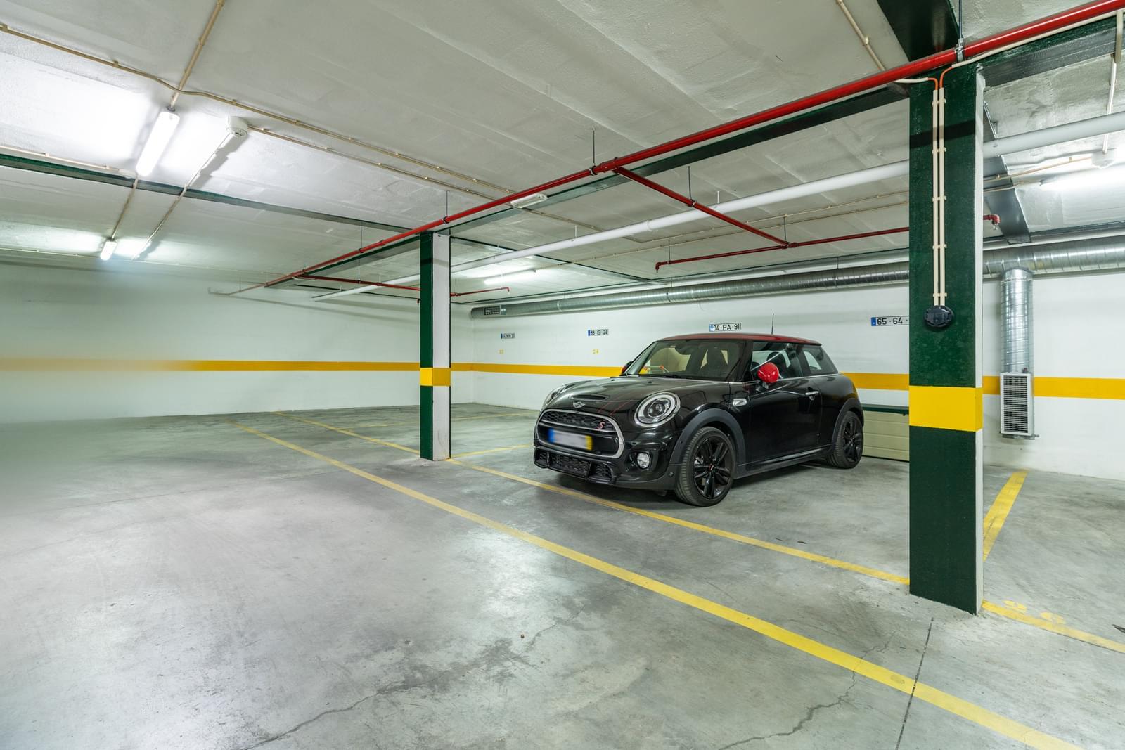 Apartamento T4+3 duplex com estacionamento