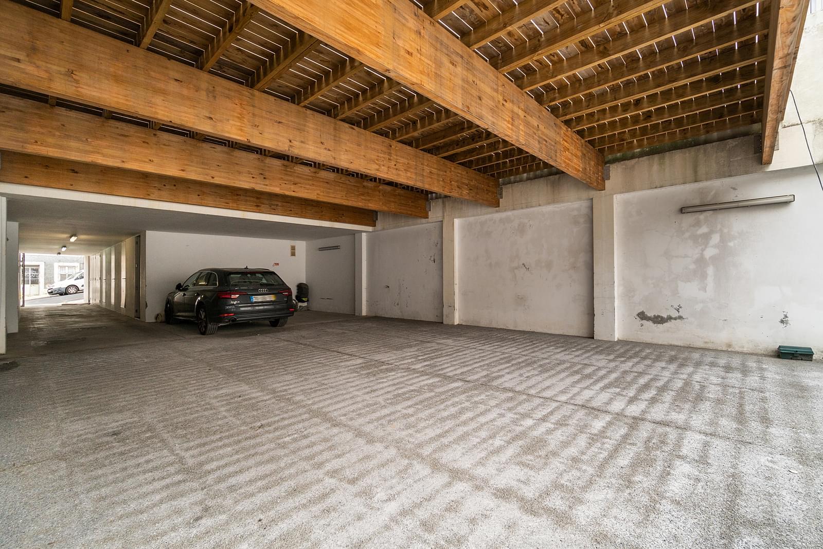 Apartamento T3 duplex com estacionamento