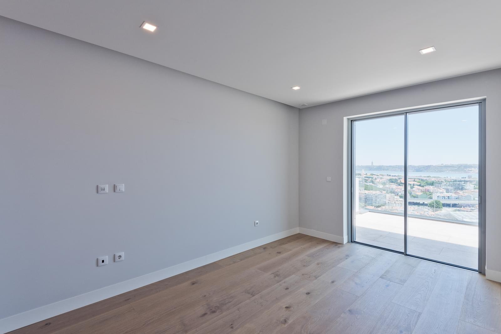 PF20154, Apartamento T4, Oeiras