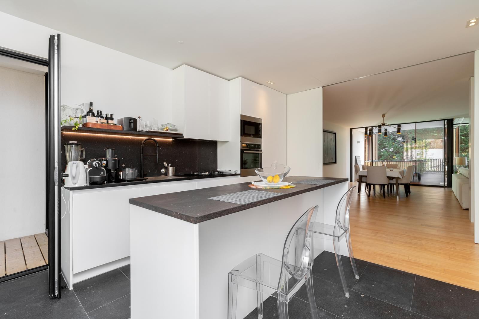 Fantástico Apartamento t3 com Terraço no Restelo