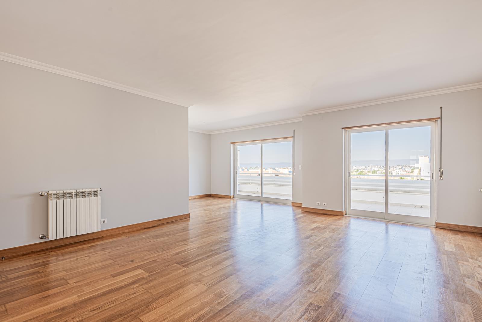 PF22626, Apartamento T4, Cascais