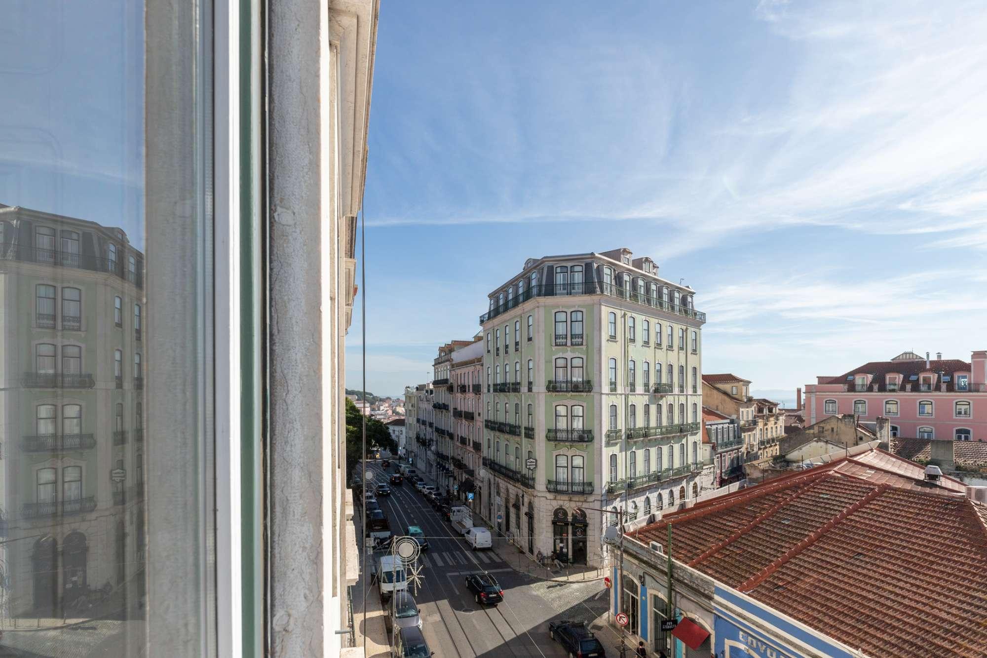 PF23638, Apartamento T5 + 1, Lisboa