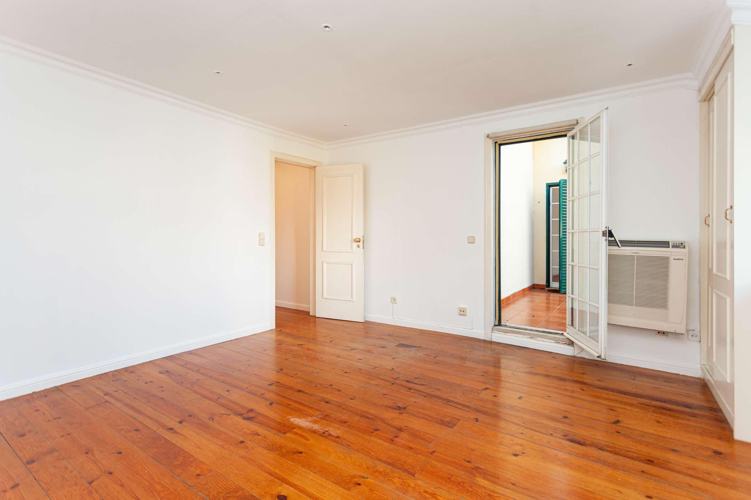 PF23933, Apartamento T4, Lisboa