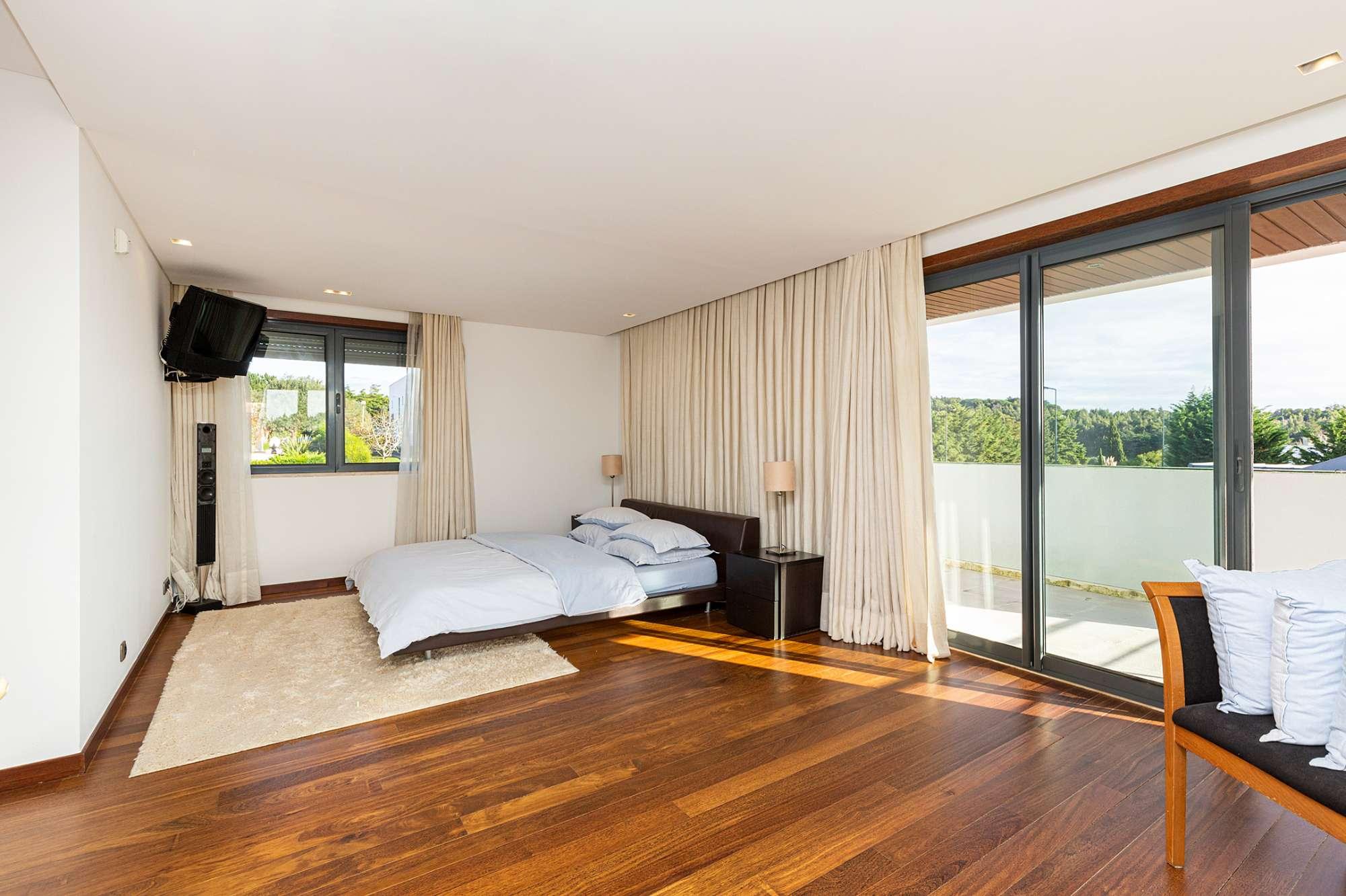PF24141, 5 Chambres Villa, Belas Clube Campo