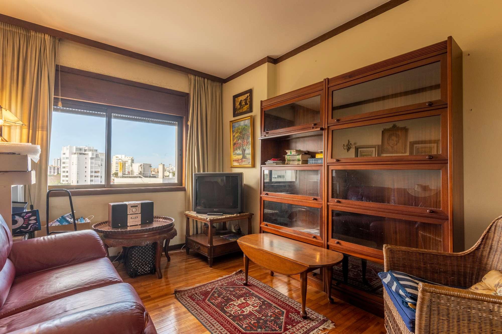 PF24210, Apartamento T3, Cascais