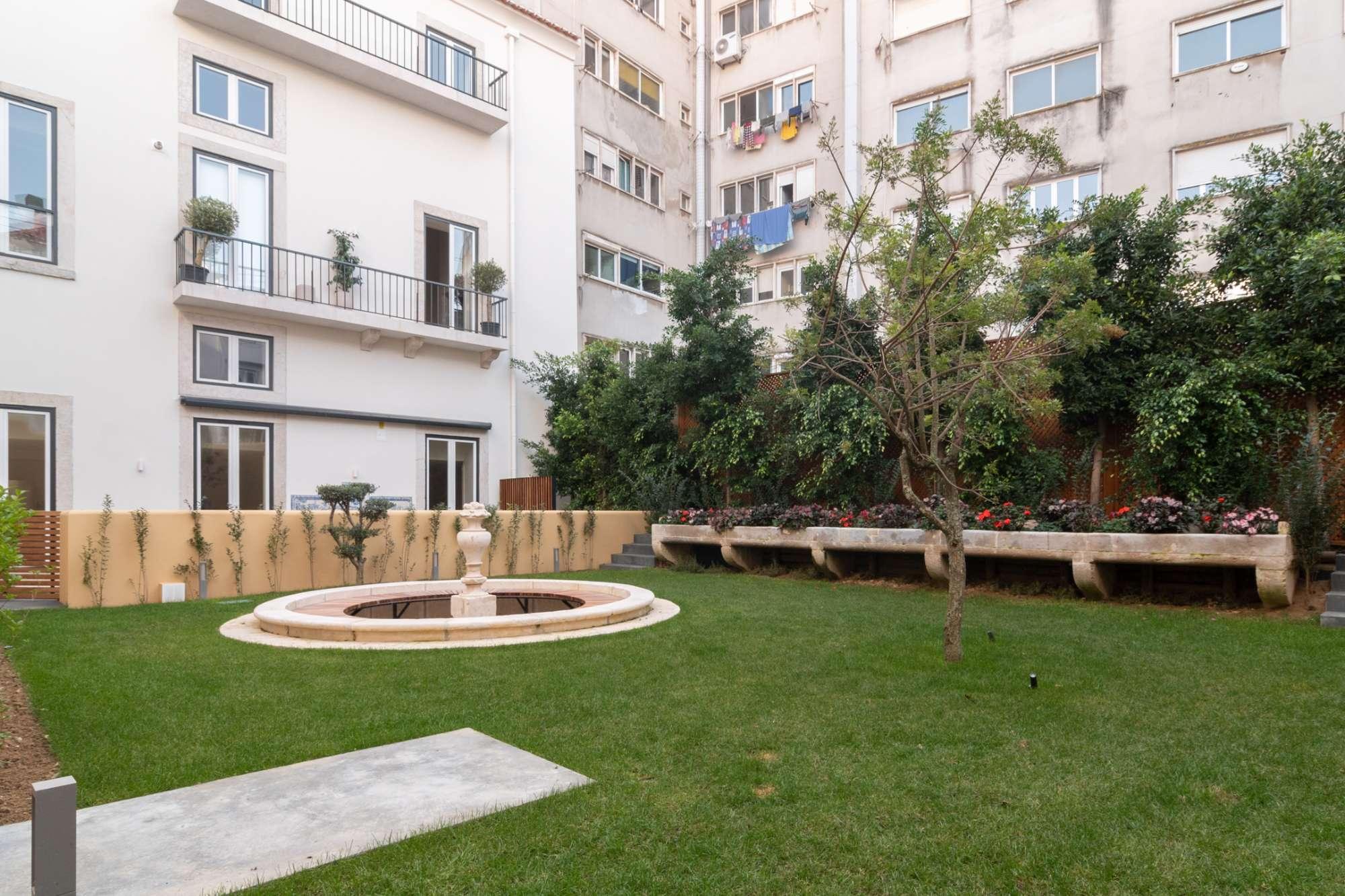PF24318, Duplex T2, Lisboa