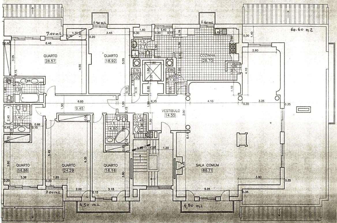 Penthouse com Terraço, em Condomínio Fechado