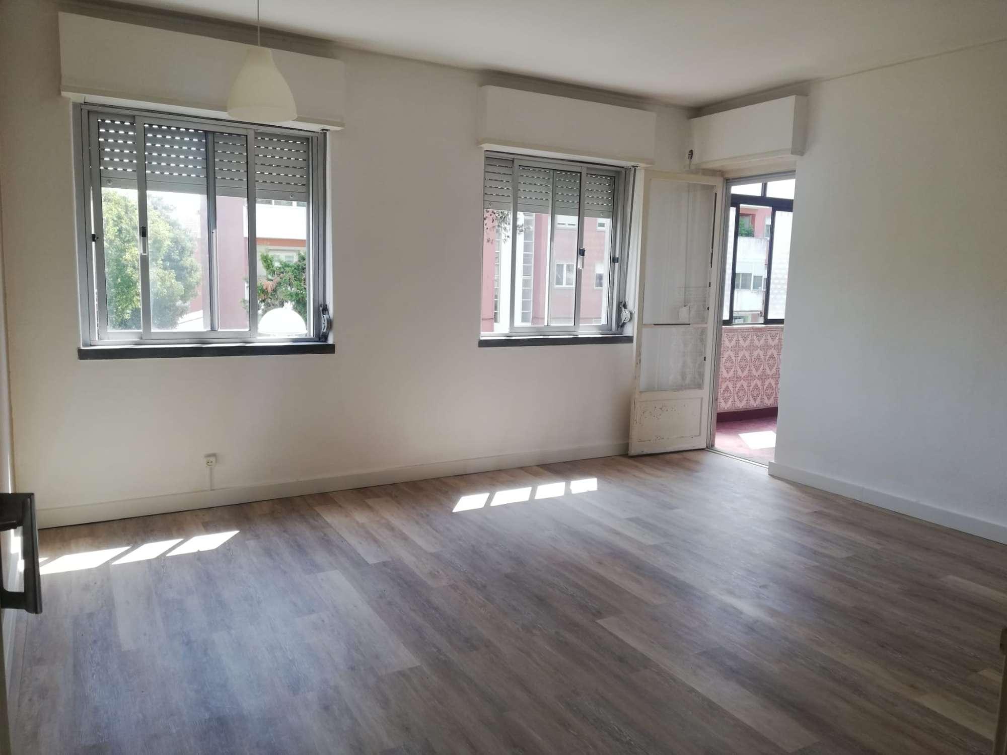 PF25880, Apartamento T4, Oeiras