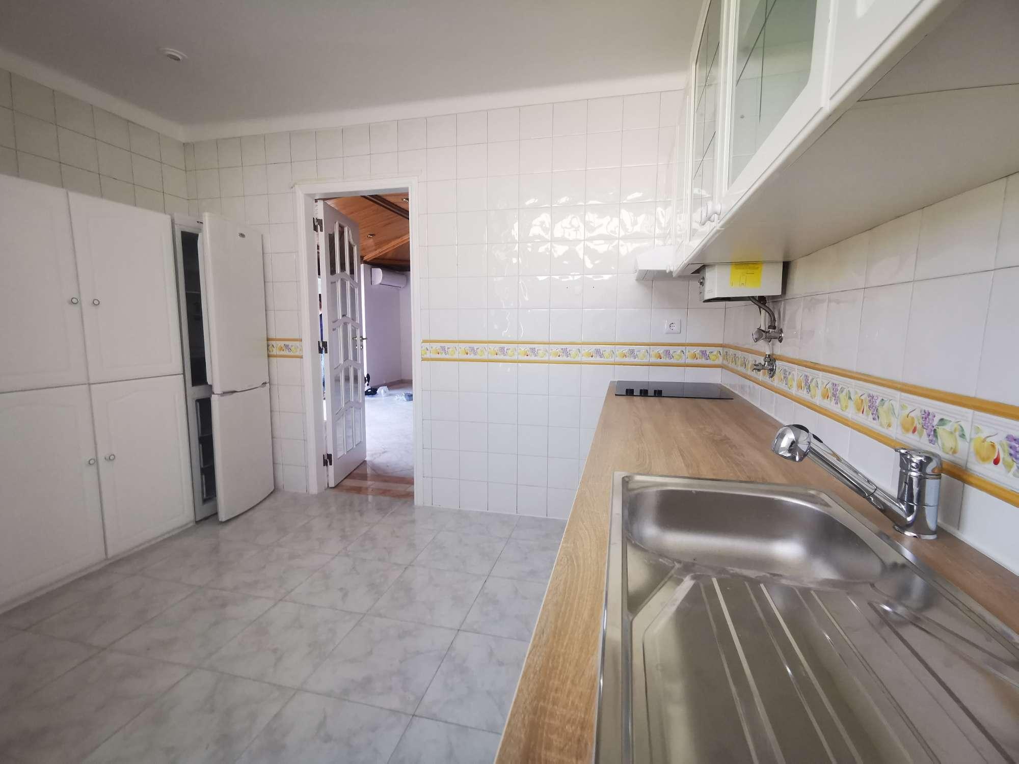 PF25885, Apartamento T3, Oeiras