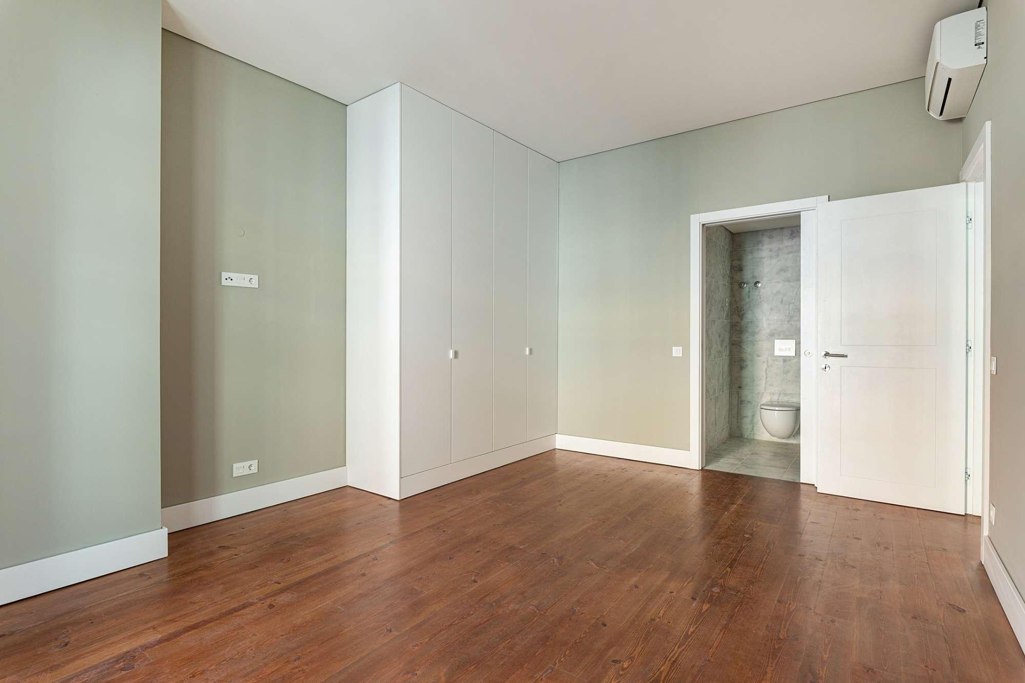 Apartamento T2, com Garagem