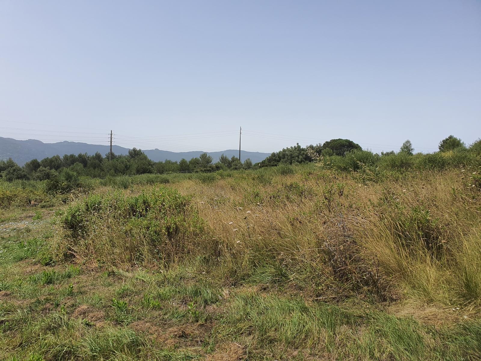 O terreno com área de 36.338 m2 e possibilidade de construir 9455 m2